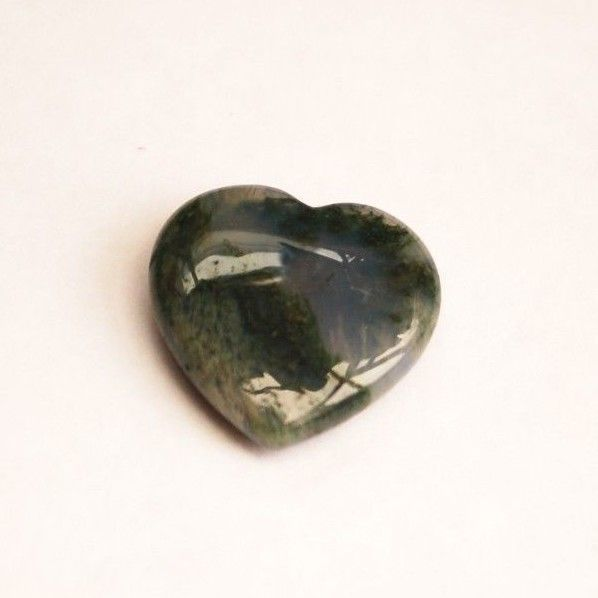 2 cms CARVED GREEN MOSS AGATE GEMSTONE HEART - naturem addictions, protection