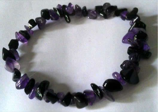 AMETHYST AND BLACK OBSIDIAN HEALING CRYSTAL CHIP BEAD BRACELET - PROTECTION